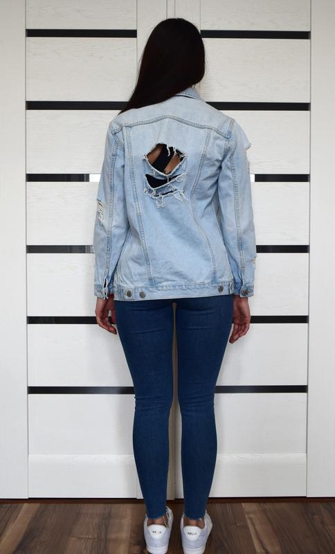 Джинсовая куртка с рваностями - Фото 5