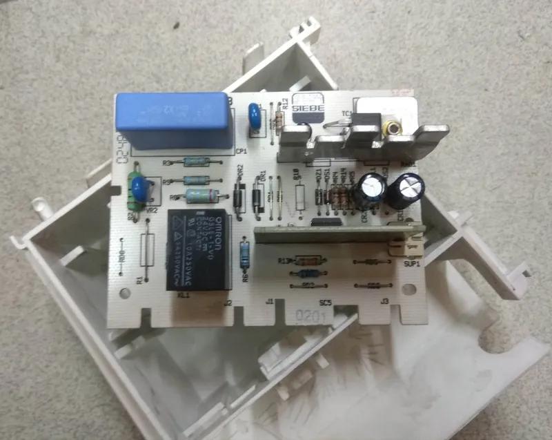 Модуль управления Whirlpool 461973080272 AWT 2284