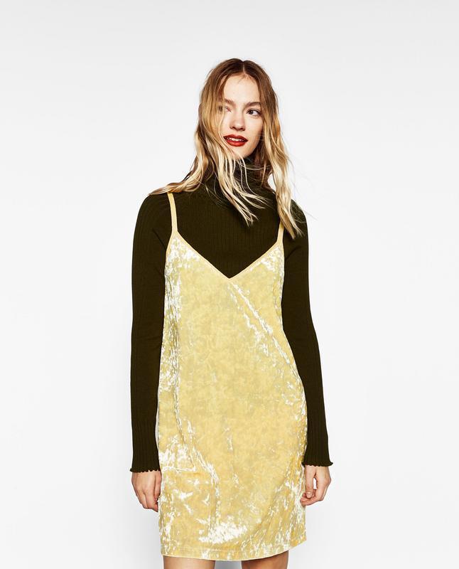 Платье бархатное лаймового цвета в бельевом стиле zara размер m/l - Фото 3