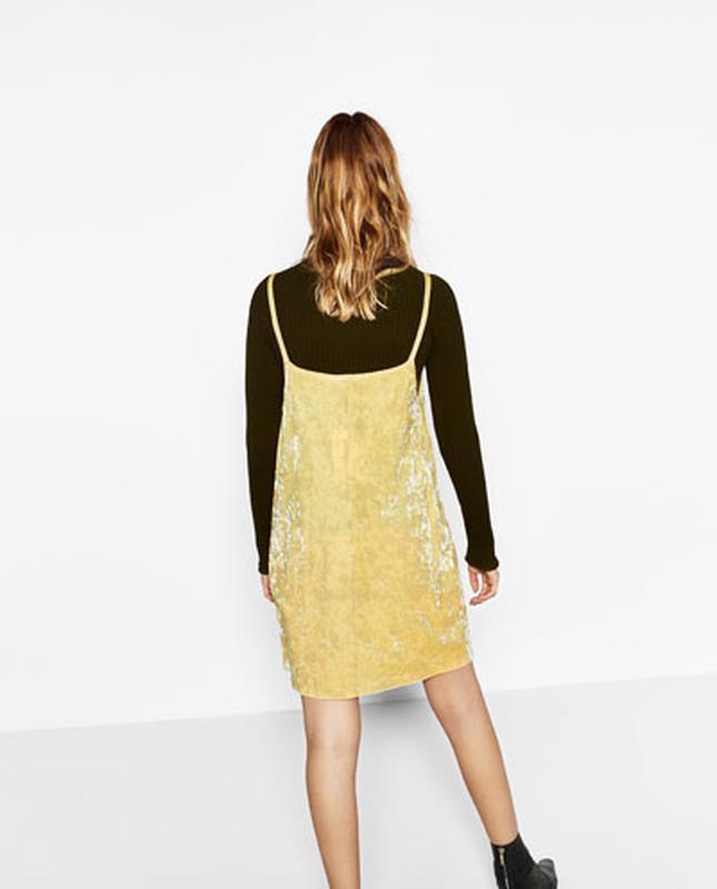 Платье бархатное лаймового цвета в бельевом стиле zara размер m/l - Фото 5