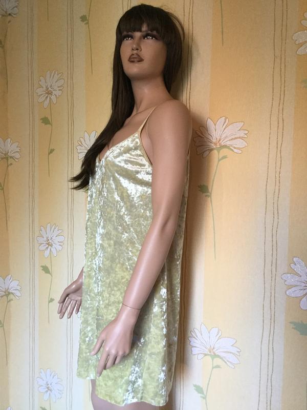 Платье бархатное лаймового цвета в бельевом стиле zara размер m/l - Фото 7