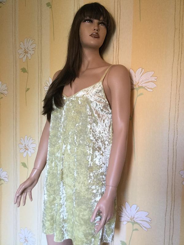 Платье бархатное лаймового цвета в бельевом стиле zara размер m/l - Фото 8