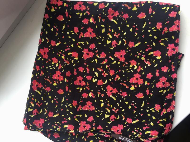Красивый шарф, платок, цветочный принт pieces accessories - Фото 3