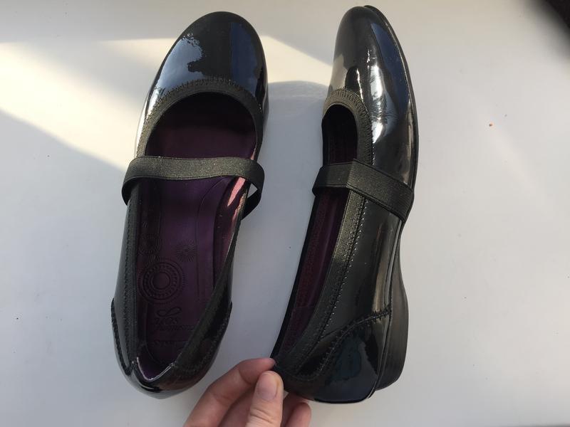 Лакированные  кожаные балетки туфли clarks р.38,5-39
