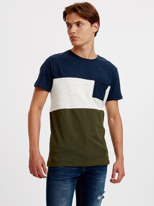 Мужская футболка lc waikiki синий верх, карман и низ цвета хаки