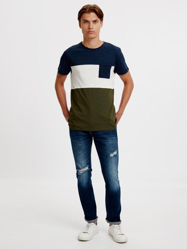 Мужская футболка lc waikiki синий верх, карман и низ цвета хаки - Фото 4
