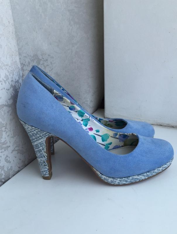 Стильные голубые туфли на каблуке marco tozzi р.38
