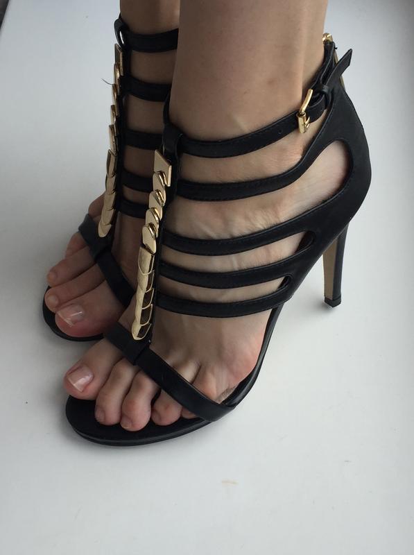 Стильные туфли босоножки на каблуке aldo 37 р. нарядные