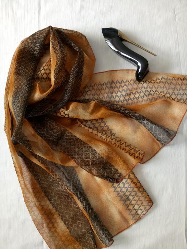 Легкий воздушный шарф