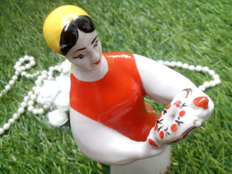 Девушка с куманцом, полонное, 50-е года, фарфоровая статуэтка ... - Фото 2