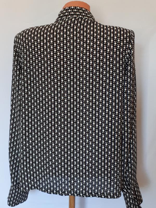 Блуза в контрастный узор  в стиле 60-х h&m ( размер 10) - Фото 4