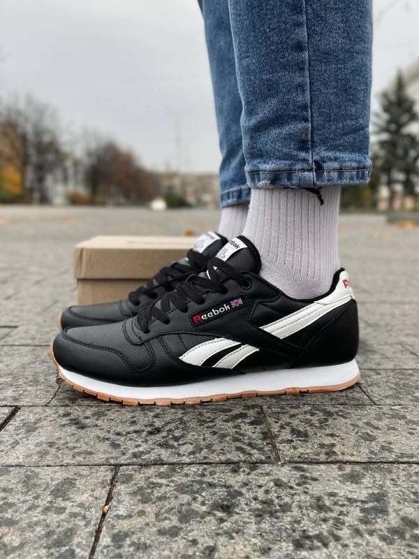 Демисезонные кожаные мужские кроссовки reebok classic