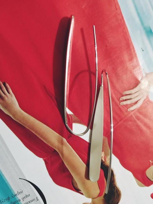 Длинные оригинальные серьги серебристого цвета - Фото 5