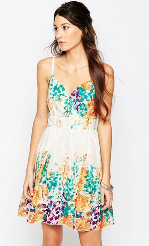 Крутое хлопковое платье сарафан белое в цветочный принт  Pussycat