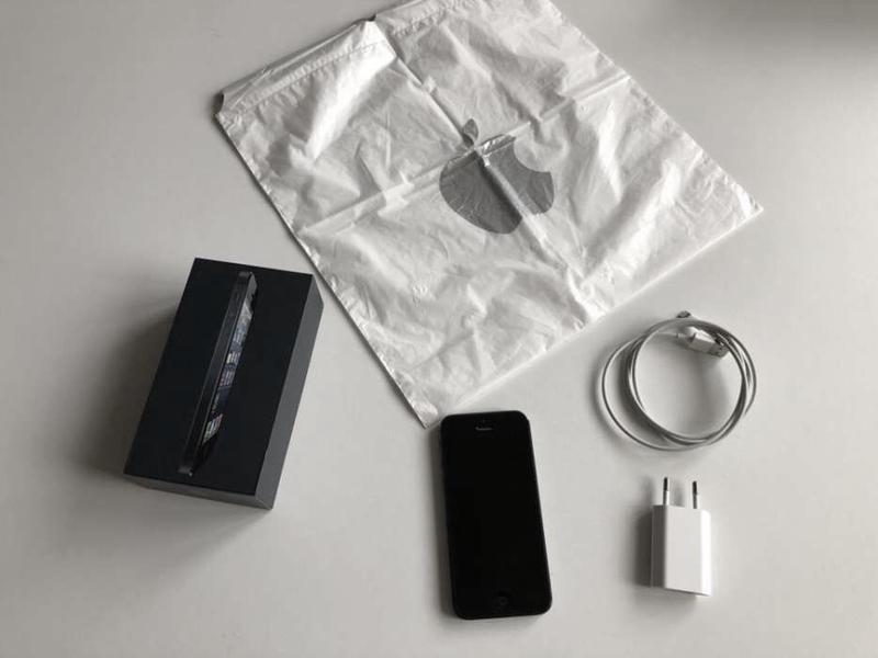 Apple iPhone 5 16GB (Black) - Фото 2