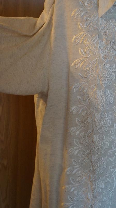 Красивая рубашка,вышита гладью - Фото 3