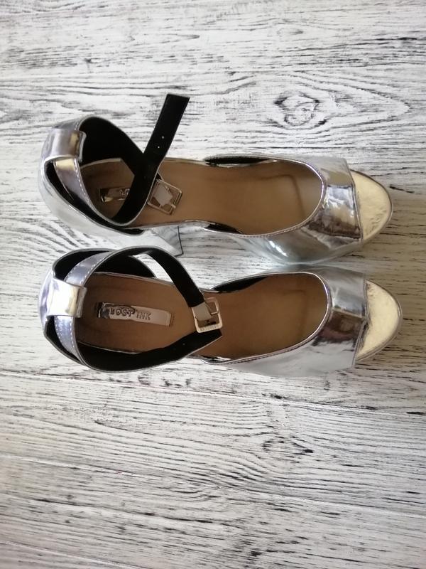 Босоножки на каблуке и платформе lost ink - Фото 3