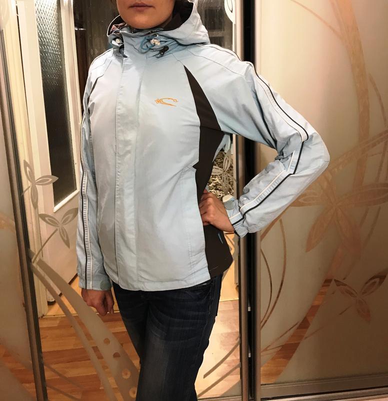 Лыжная оригинальная курточка oneill нежно-голубого цвета