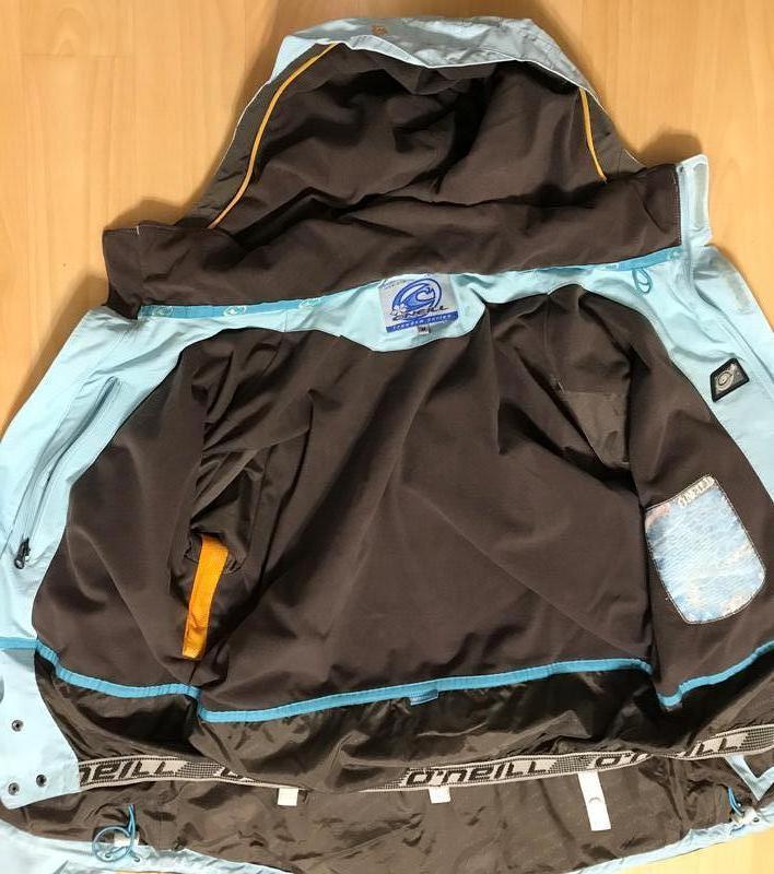 Лыжная оригинальная курточка oneill нежно-голубого цвета - Фото 4
