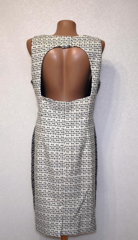 Качественное коттоновое платье футляр с вырезом на спине zara - Фото 3