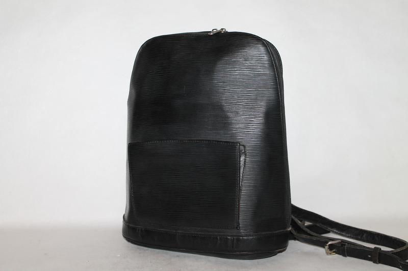 Стильный кожаный рюкзак в стиле louis vuitton