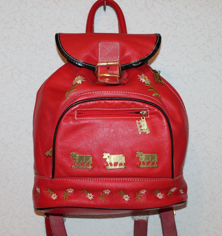 Шикарный кожаный рюкзак с вышивкой