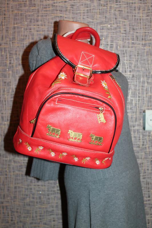 Шикарный кожаный рюкзак с вышивкой - Фото 2