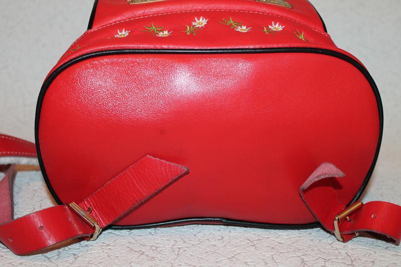 Шикарный кожаный рюкзак с вышивкой - Фото 5