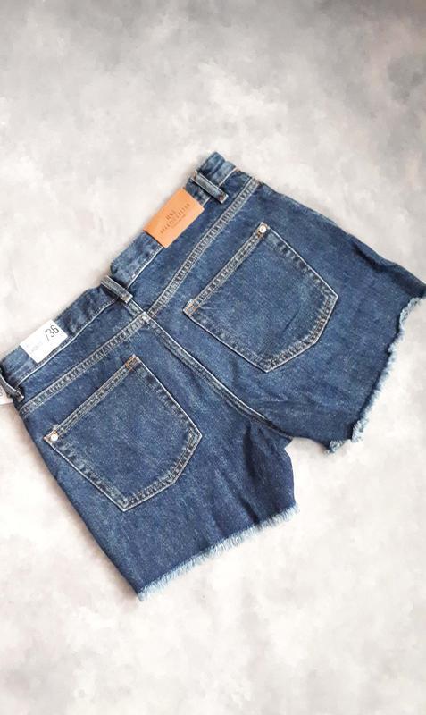Джинсовые шорты mango свободного кроя - Фото 5