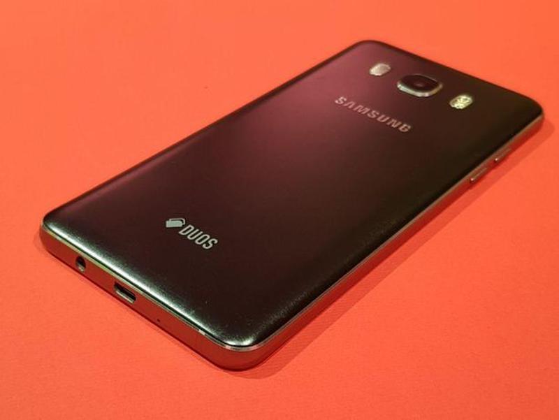 Samsung Galaxy J5 (2016) (J510H) Black - Фото 6