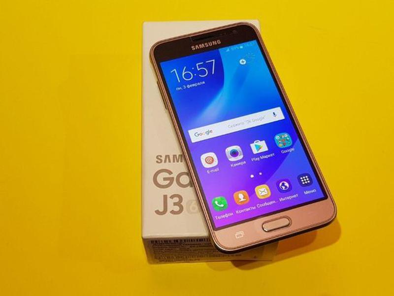 Samsung Galaxy J3 (2016) (J320) Gold - Фото 2