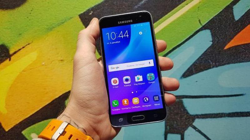 Samsung Galaxy J3 (2016) (J320) Black - Фото 4