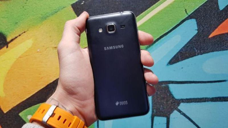 Samsung Galaxy J3 (2016) (J320) Black - Фото 5