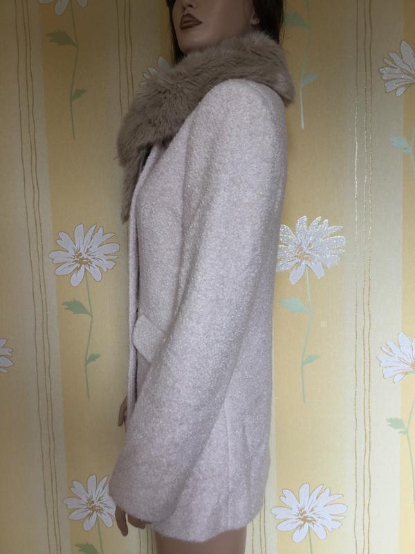 Пальто деми букле пудрового цвета с меховым воротником f&f 12 ... - Фото 4