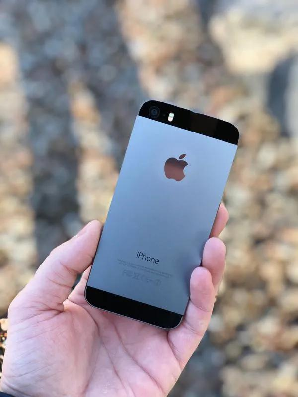 IPhone 5s 16Gb Space Gray Neverlock айфон бу, Гарантия