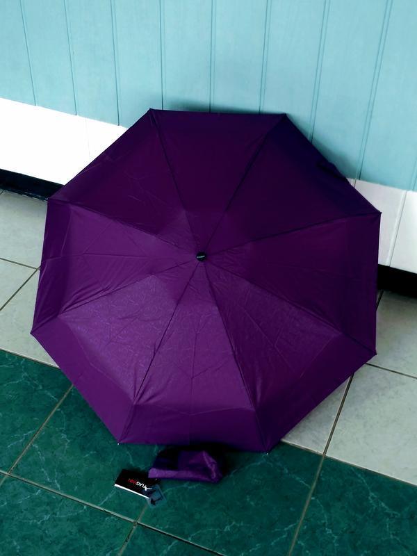 Компактный зонт.