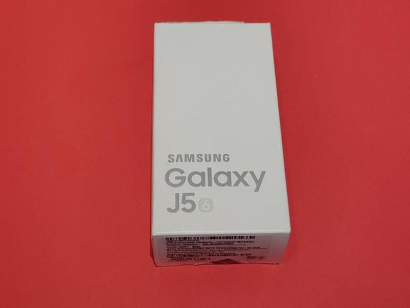 Смартфон Samsung Galaxy J5 (2016) (J510H) Black