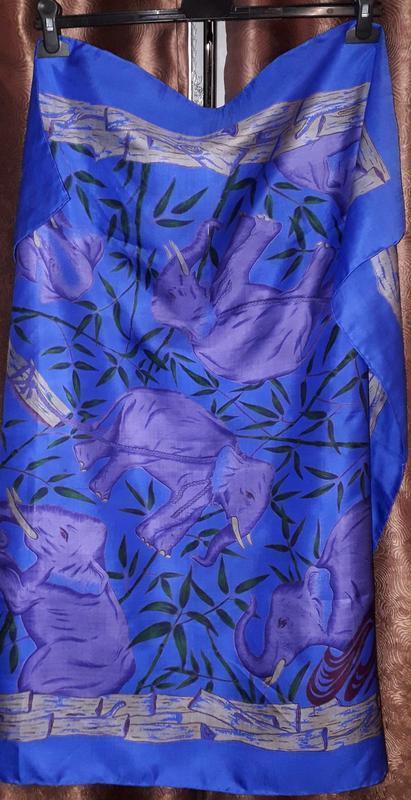 Шикарный тайский  шелковый платок чесуча  в тропичный принт