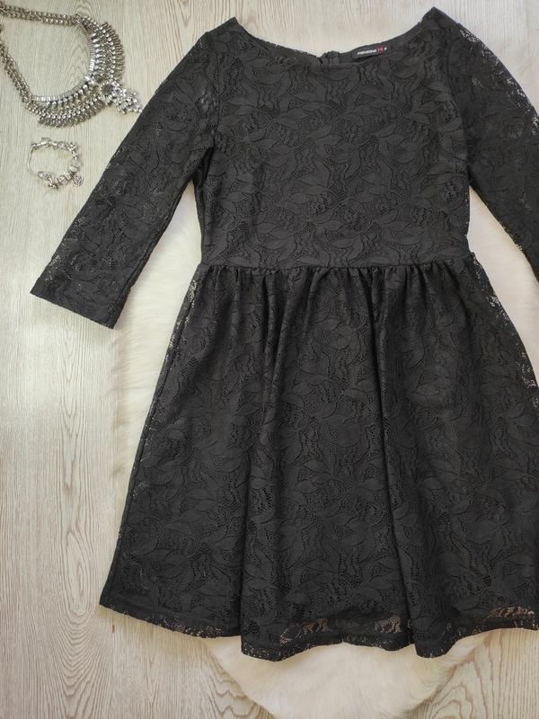 Черное короткое нарядное ажурное платье с длинными рукавами ги... - Фото 2