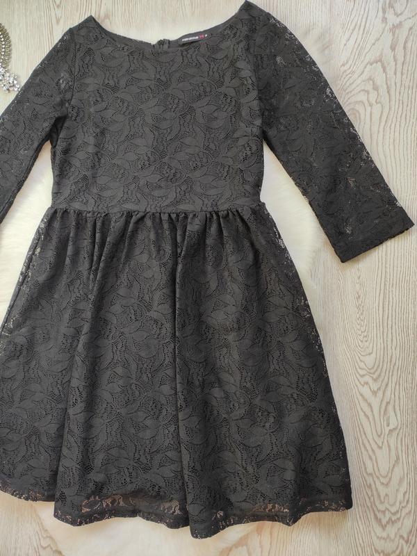 Черное короткое нарядное ажурное платье с длинными рукавами ги... - Фото 3