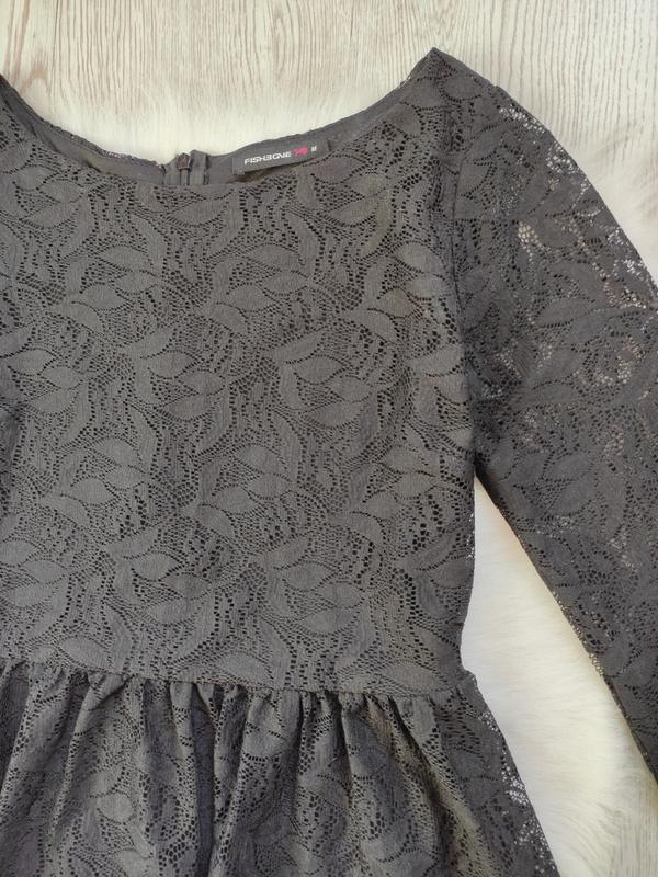 Черное короткое нарядное ажурное платье с длинными рукавами ги... - Фото 4