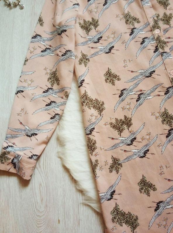 Розовая бежевая длинная миди рубашка платье с рукавами цветочн... - Фото 5