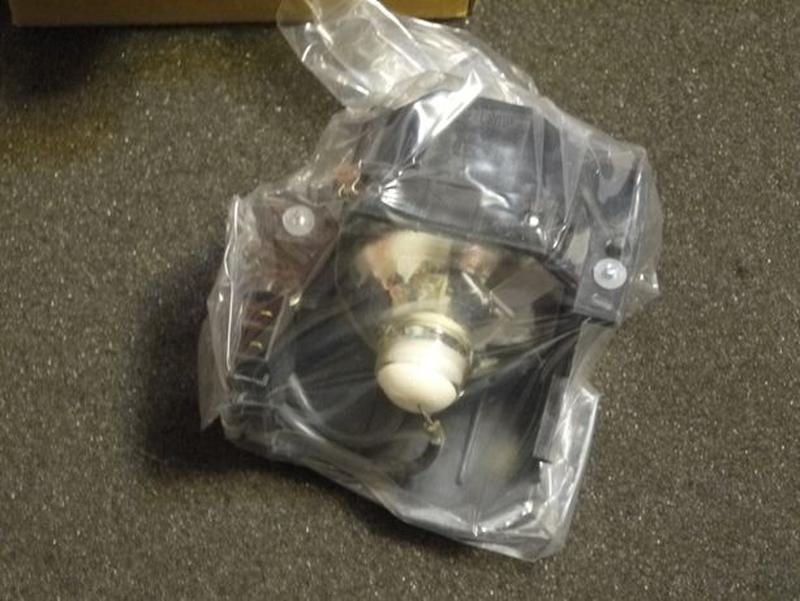 Лампа для проектора Epson Hitachi Sanyo - Фото 3