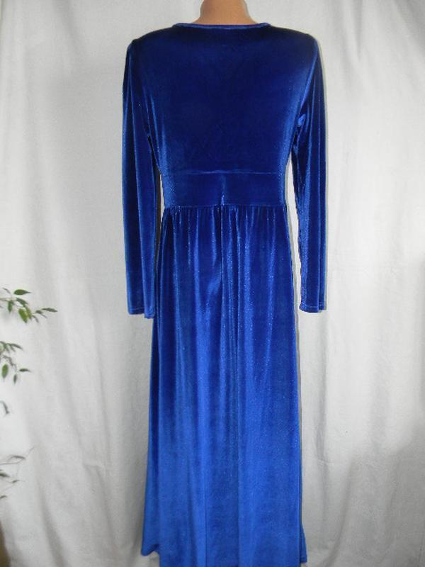 Шикарное длинное велюровое платье - Фото 3