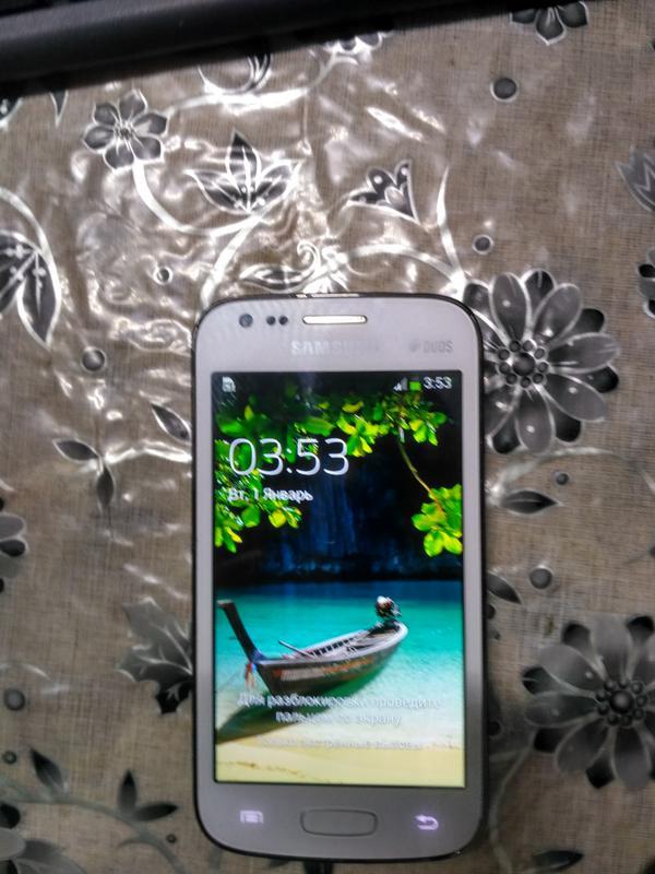 Смартфон Samsung S7272 Galaxy Ace 3
