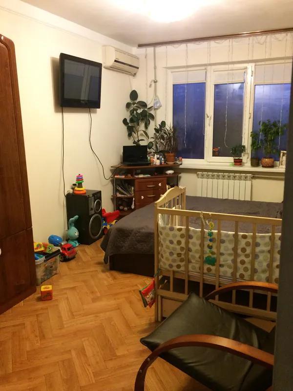 Продам 4-х комнатную квартиру Добровольского/Заболотного