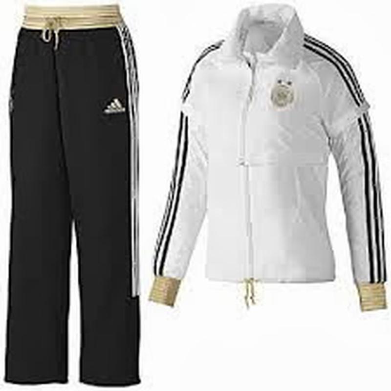 Фирменный спортивный костюм адидас. размер м ветровка-жилетка