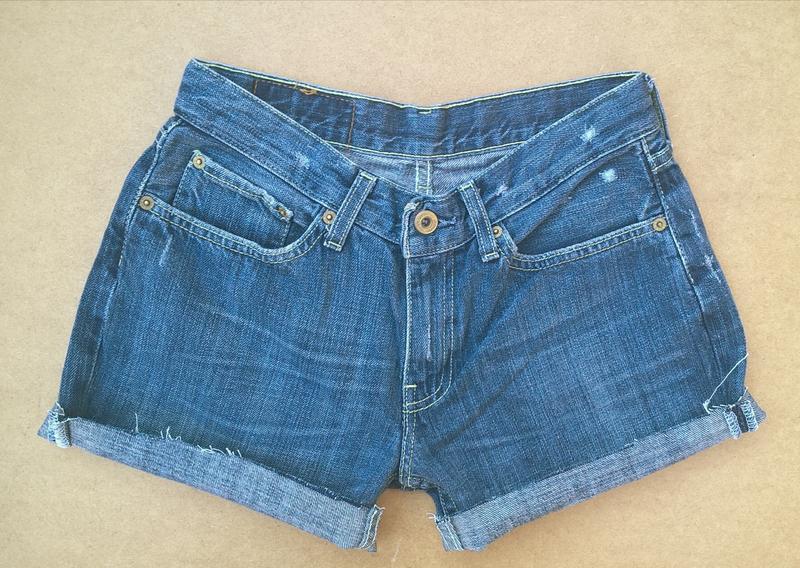 Джинсовые шорты короткие шортики levis - Фото 2