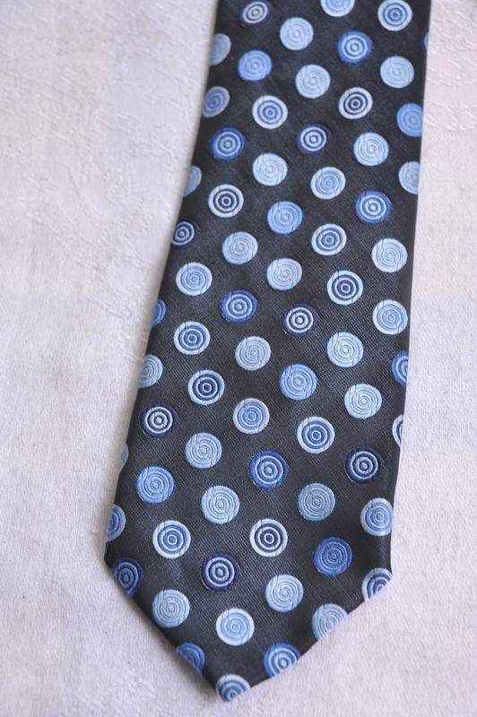 Стильный галстук marks & spencer!!!расродпжа дешево!!!