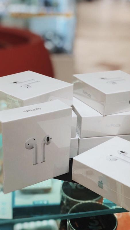 Apple AirPods with Wireless Charging Case (MRXJ2) 2019 - Фото 2